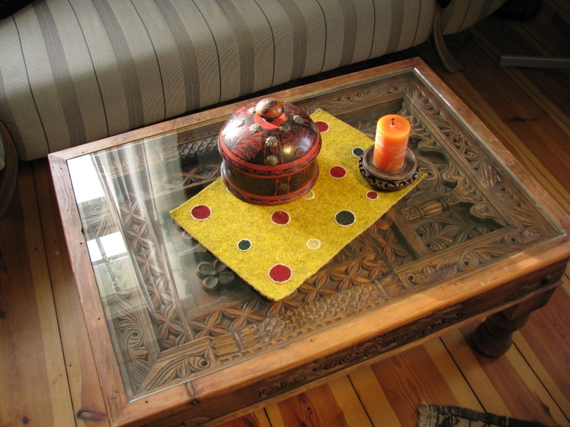 Gundara - Dotted Table Decoration