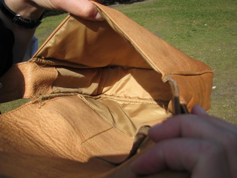 Gundara - Sufi - inside - shoulder bag - genuine leather - made in Afghanistan