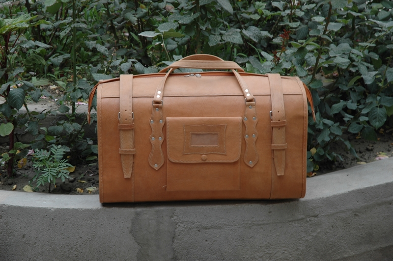 Traveller Classic in genuine leather - made in Afghanistan - Gundara