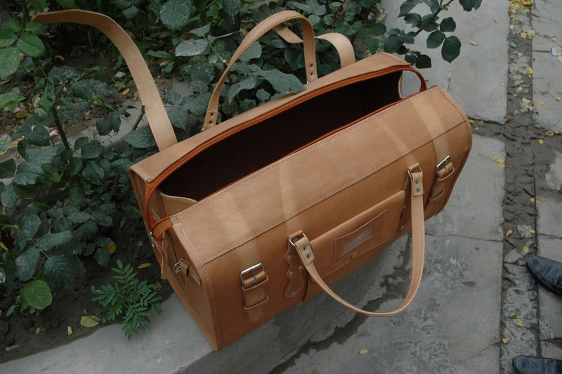 Traveller Classic - open - real leather - made in Afghanistan - Gundara