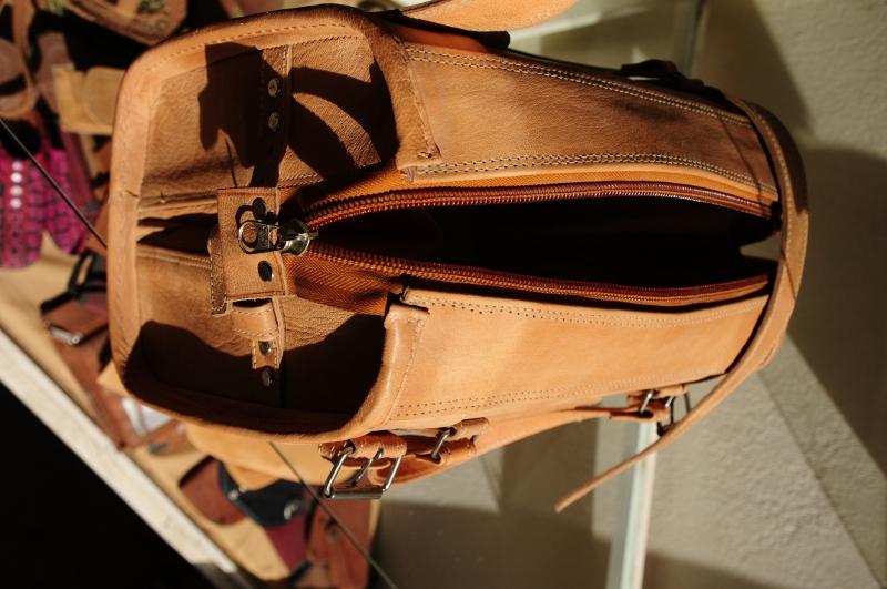 small leather travel bag - Gundara