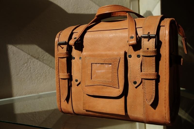 Traveller Classic Small - small travel bag - genuine leather - Gundara