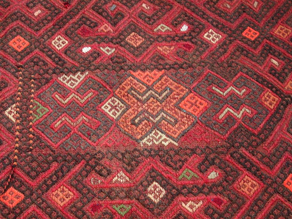 Detailansicht - Susani-Teppich Gulnora aus Afghanistan und aus Wolle