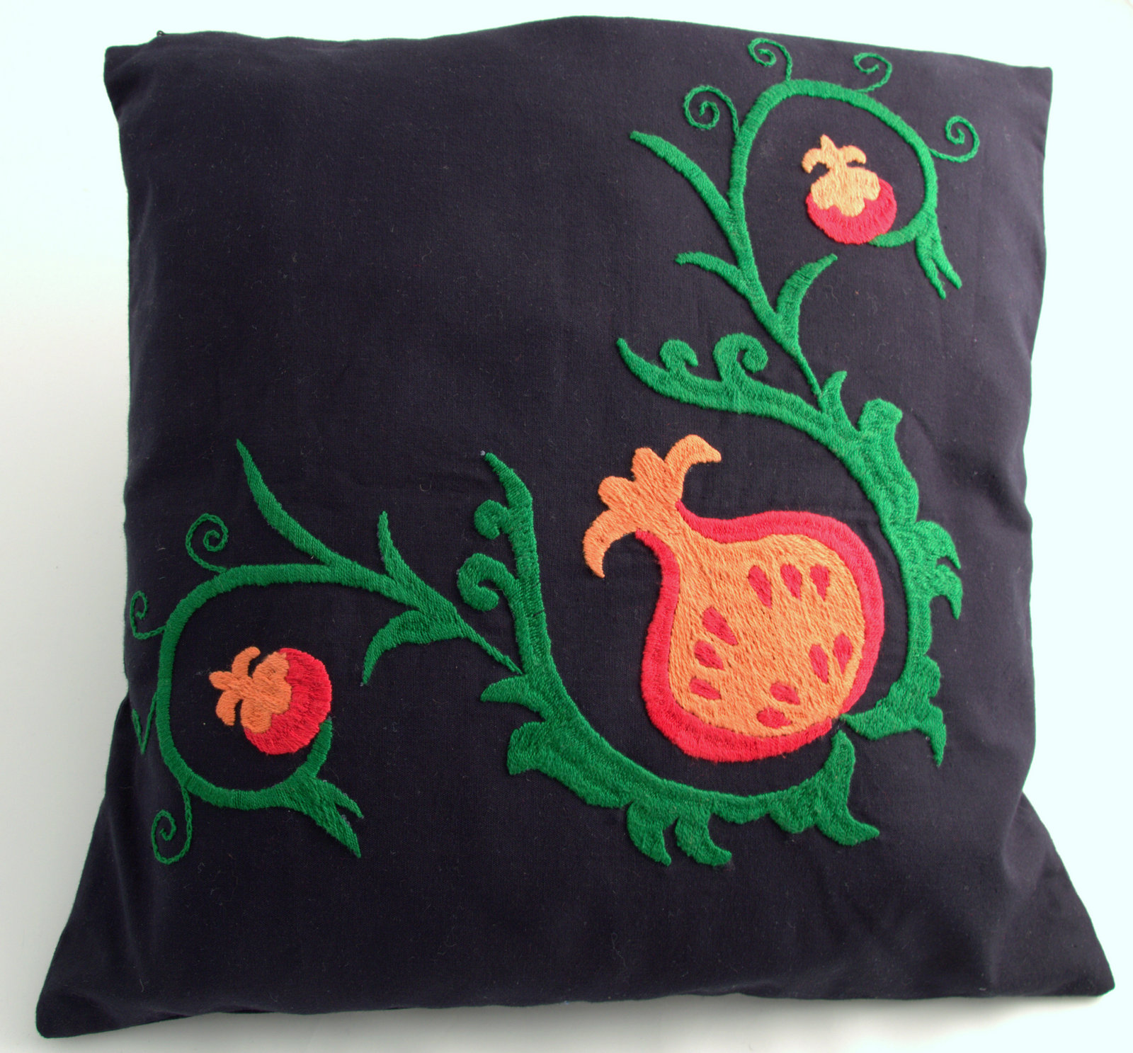 Gundara Is Offering You Here A Beautiful Cushion Cover With A