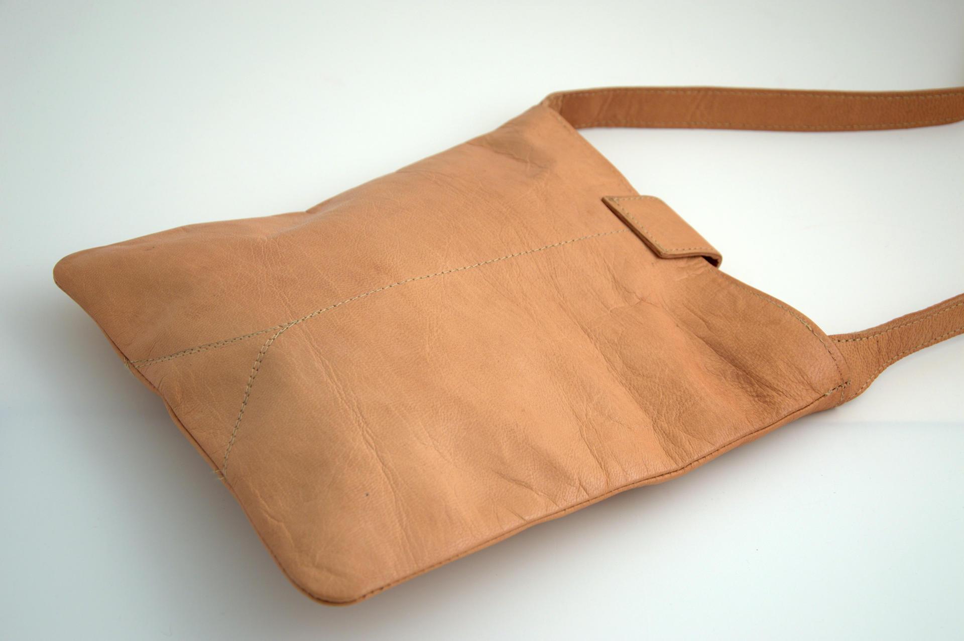 Gundara - genuine leather hand bag - fair trade from Afghanistan