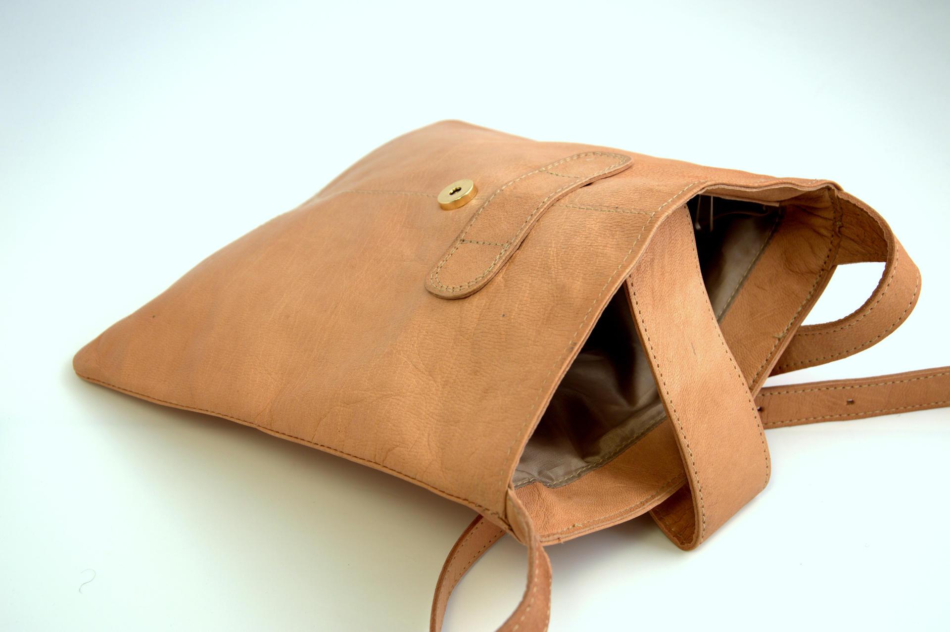 Gundara - genuine leather - hand bag - Afghanistan - fair trade