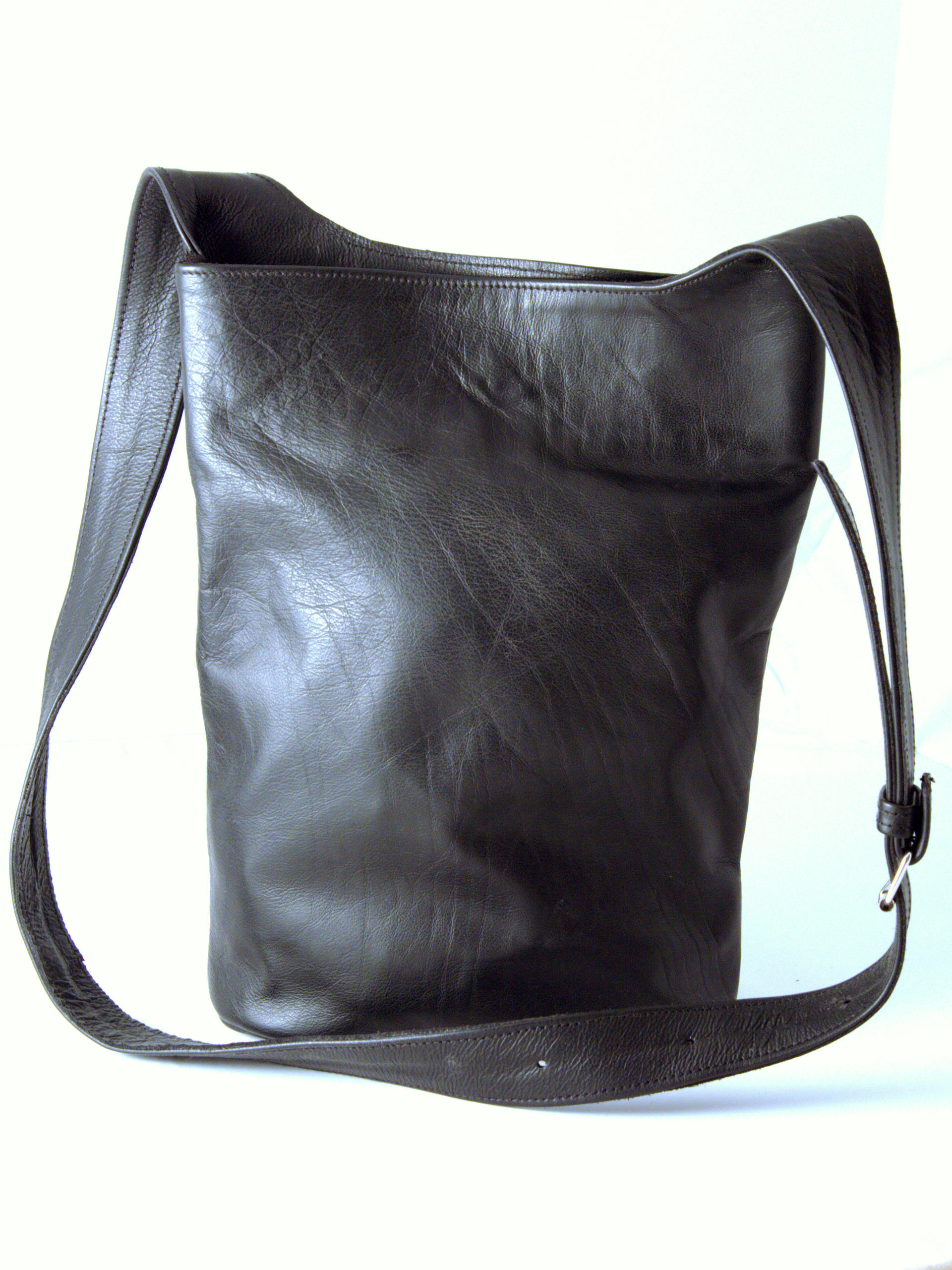 Gundara - Summer Time - genuine leather - fair trade bag from Afghanistan - black