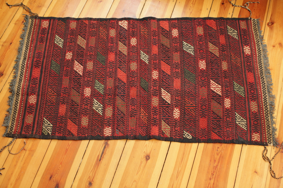 schöner gestreifter Susani-Teppich - handgewebt und handbestickt - afghanische Frauen