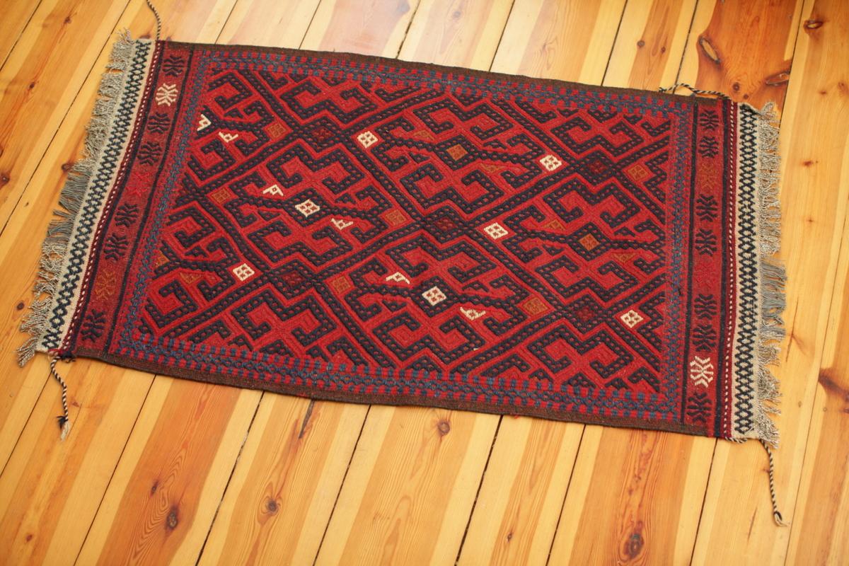 classical turkmen suzani