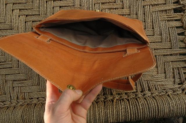 Lorenzo - inside lining - shoulder bag - unisex - real leather - Gundara
