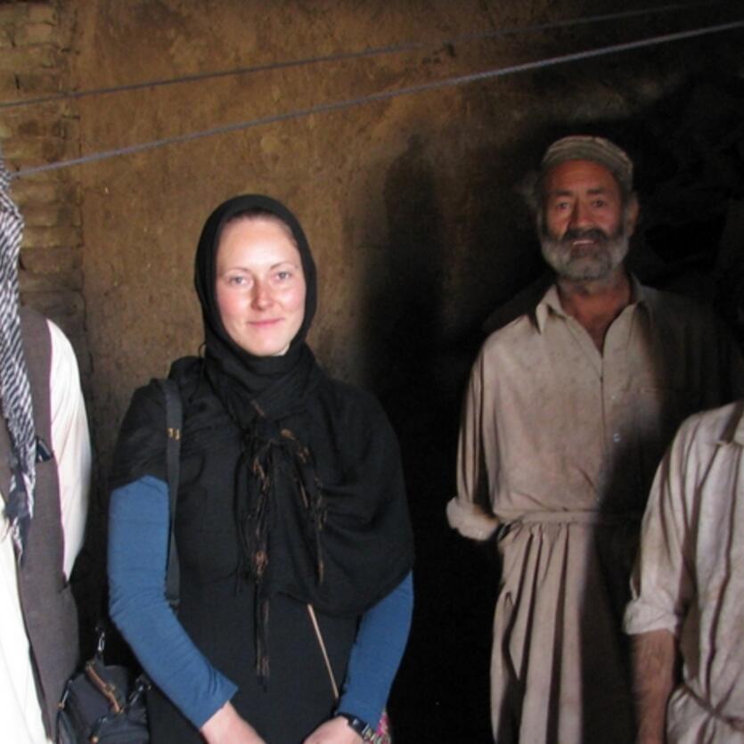 Gunda in der Gerberei in Nordafghanistan, aus der Meister Yaqub sein Naturlleder bezieht.
