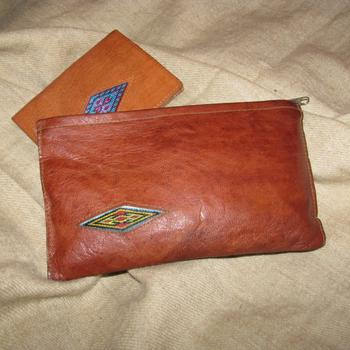 Gundara - Little Lea - embroidered cosmetics pouch in natural leather
