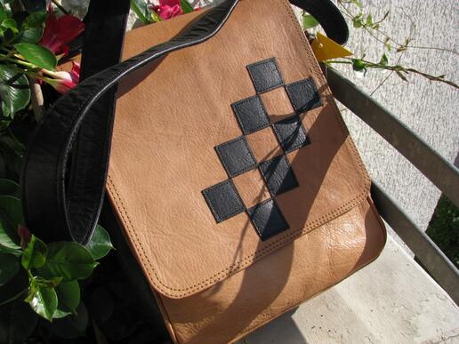 Gundara - Chess - Leather bag