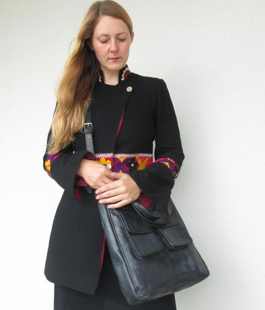 black leather bag happy laura - fair trade from Burkina Faso