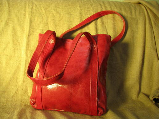 Missy Simple Africa - genuine leather in red - fair trade - made in Burkina Faso