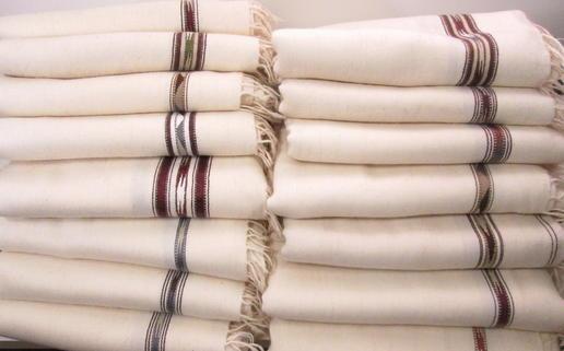 Patu - weiches Plaid - weiß - fair gehandelt aus Pakistan - Wolldecke