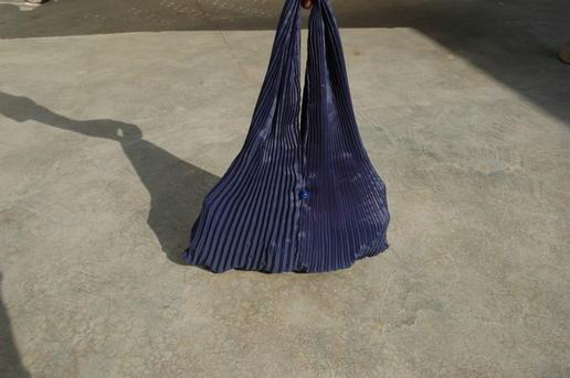 Gundara - Sac à Main Burqa par Zardozi - fait au Pakistan par des réfugiés