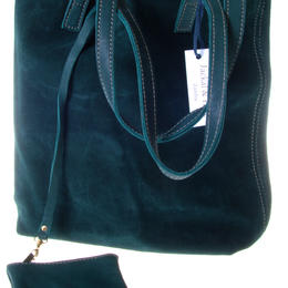 Tote in green leather