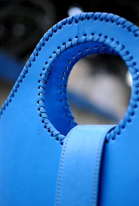 hell-blaube Handtasche zum Einkaufen - Gundara
