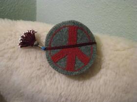 Gundara - Friedensuntersetzer aus Wollfilz - grüner Wollfilz - handgemacht