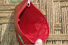 Gundara - Little Lea - Trousse à cosmétiques en cuir rouge - intérieur doublé