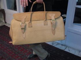 Big Traveller - zoomed - pure leather - from Afghanistan
