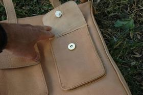 Gundara - Happy Laura - leather handbag - side pocket - genuine leather