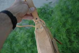 Gundara - Happy Laura - leather handbag -  bag side - genuine leather