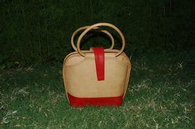 Ninie - leather handbag - genuine leather - round handles and latch