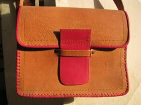 Gundara - Rouge - shoulder bag - genuine leather - made in Afghanistan