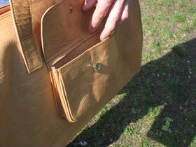 Gundara - Sport Bag - side pocket - magnet-closed outside pocket - pure leather
