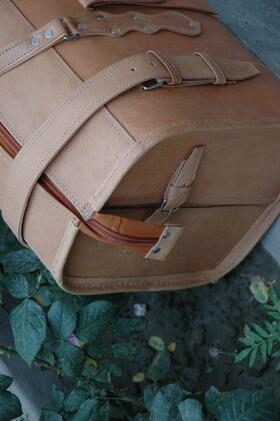 Traveller Classic - side view - genuine leather - made in Afghanistan