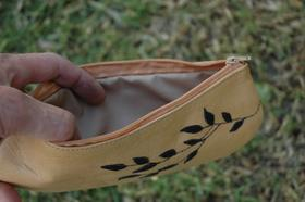 Gundara - Olive branch - cosmetics or pencil pouch in leather - Inside