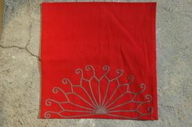 Gundara - jolie housse de coussin brodée - Zardozi - coton rouge