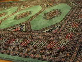 Mint-grüner Jaldar-Teppich - handgeknüpft - handgemacht in Pakistan - Wolle