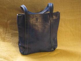 sac en cuir bleu