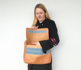 le sac ferme avec du velcro