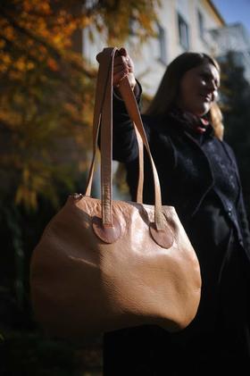 Gundara - Minnie Mouse leather handbag - real leather - Afghanistan