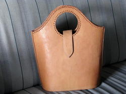 simple shopper in natural leather